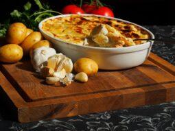 Пикантный картофельный гратен по-французски